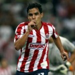 Omar Bravo seguirá en Chivas