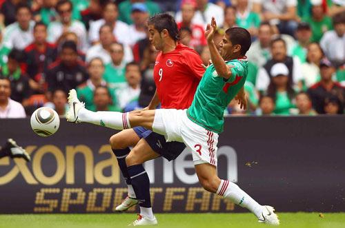 Matias Fernandez contra Carlos Salcido