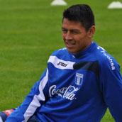 Roger Espinoza no pierde la paciencia en Wigan