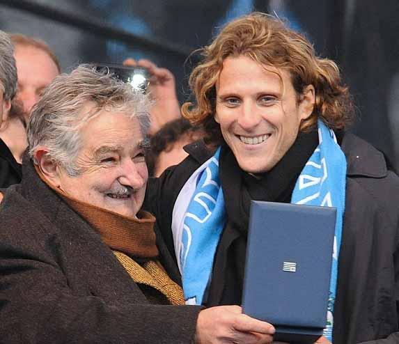 Diego Forlan y Jose Mujica