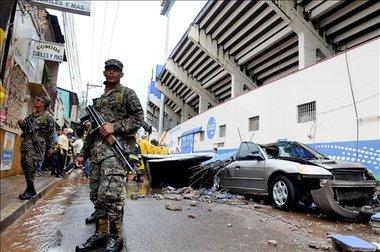 Derrumbe estadio Nacional