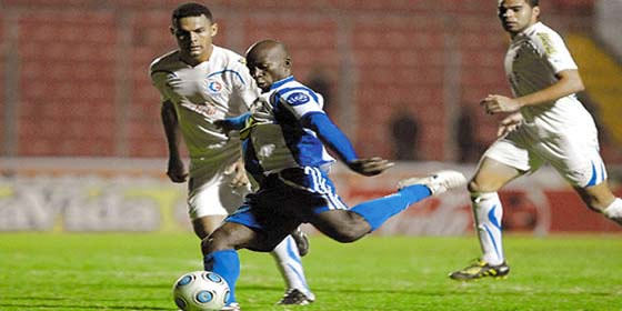 Saul Martinez contra Olimpia