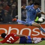 Chile despide a Bielsa ganando a Uruguay