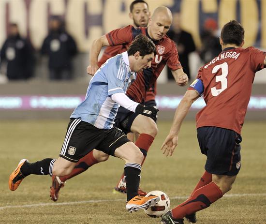 Argentina EUA Messi Bradley Bocanegra
