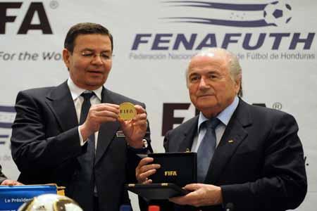 Rafael Callejas y Joseph Blatter
