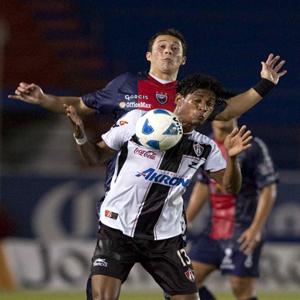 Carlo Costly contra Diego Ordaz del Atlante