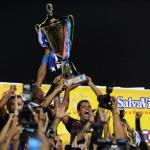 Motagua aumenta paternidad sobre Olimpia y alza la Copa 12