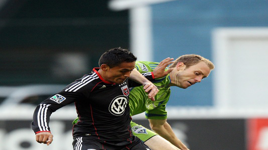 Andy Najar contra Tyson Wahl del Seattle Sounders