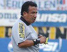 Arbitro Marcio Carranza