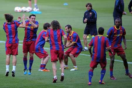 Barcelona entrenó antes de viajar a Londres