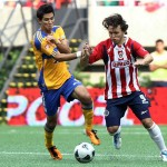 Chivas goleó a Tigres en el arranque de la liguilla