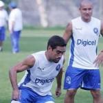 El Salvador quiere arrancar con un triunfo ante Honduras