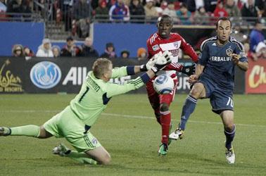 Jair Benitez FC Dallas Landon Donovan