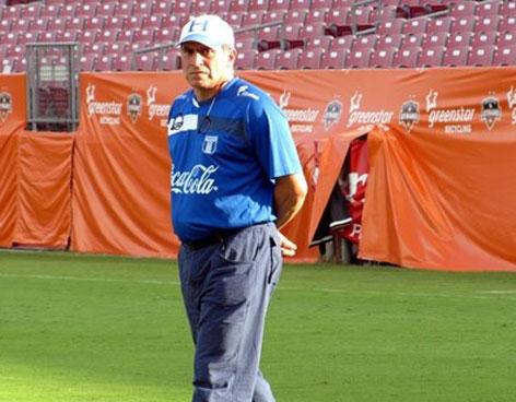 DT Luis Fernando Suarez
