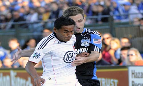 Andy Najar D.C. United contra Bobby Convey