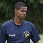 Ronald Martínez causa buena impresión en Comunicaciones