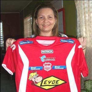 Carla Dip camiseta 2011