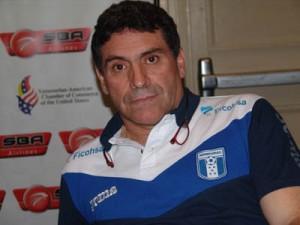 Luis F Suárez (Robert Scorca)