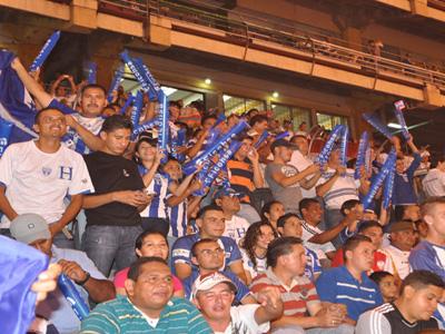 Afionados contra Paraguay