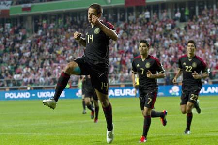 Celebra Javier Hernandez