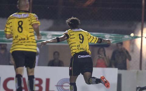 Gol de Carlos Pavon P