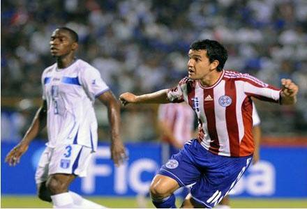 Gol de Paraguay Figueroa Maynor Figueroa