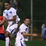 Eddie Hernández rescata empate para Honduras que quedó vivo