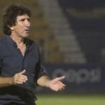 Héctor Vargas vuelve arremeter contra García Cantarero