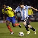 Argentina asume el mando vapuleando a Ecuador