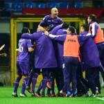 Fiorentina hunde al Milan, Lazio gana el clásico romano