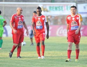 Los jugadores del Atl Choloma desconsolados, se van al Ascenso