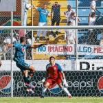 """Eddie Hernández: """"Olimpia tiene una defensa muy sólida"""""""