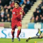 Suárez humilla al Wigan; Palacios banca en el Stoke