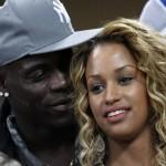 Balotelli ofrece su novia a jugadores del Real Madrid