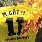 Afición del Borussia llama Judas a Götze y queman su camiseta