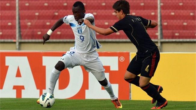 Albert Elis (9) es la figura en el ataque de la mundialista U:17 de Honduras