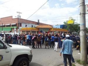 Unos mil aficionados asistieron  a la marcha (Foto Ever Rodríguez)