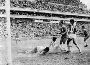 10 Diciembre de 1972, estadio La Sabana Honduras remontó un 0;3 y eliiminó a los Ticos