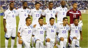 El equipo inicial que debutò en la Copa Oro 2013