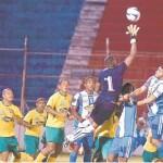 Kevin Hoyos se estrena en el empate del Victoria con Parrillas One