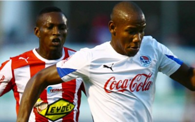 Romell Quito a la derecha, le anotó a su ex equipo el 9 de Marzo del 2014