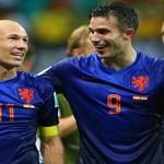 La venganza de Holanda empuja con crueldad al abismo al campeón