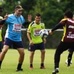 Solo 4 técnicos extranjeros dirigirán en el Clausura 2015