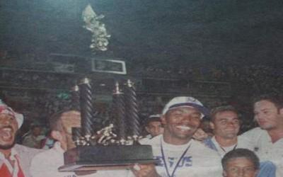 Denilson Costa levantó la última Copa para el Olimpia en 1998
