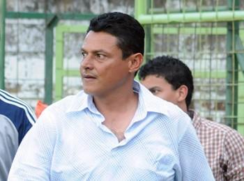 Los dos equipos de los entrenadores hondureños Nahún Espinoza y Emilio Umanzor, Xelajú y Malacateco fueron eliminados de las semifinales en Guatemala.