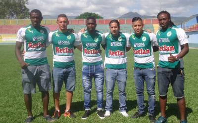 Juticalpa FC que buscará mantenerse en Primera hizo llegar tres nuevas piezas., los colombianos Jovanny Mina y Carlos Salazar al igual que el guatemalteco Wilmer García y varios jugadores del campo local.