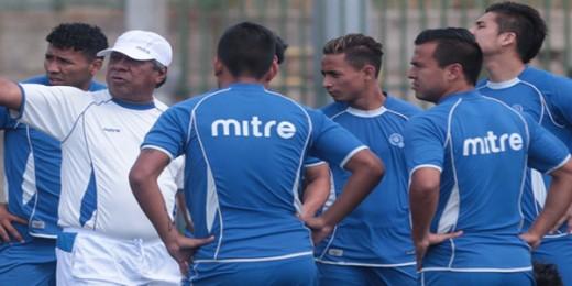 La Selección salvadoreña será dirigida por el colombiano Eduardo Lara que reemplaza al hondureño Ramón Maradiaga (foto)