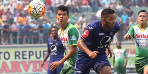 Con dos goles de penal de Rony Flores, Juticalpa FC venció cuatro goles a dos al Motagua y dio un paso en firme a la Liguilla al sumar 22 puntos.