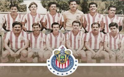 Este domingo, el único equipo que solo utiliza jugadores mexicanos, Chivas de Guadalajara arriba a 110 años de historia