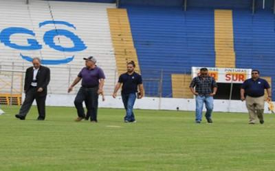 Olimpia deberá invertir en algunas mejoras al Estadio Nacional para que le toque jugar por la Liga de Campeones de la Concacaf, luego que en la visita de inspección por el Director de Operaciones de ese organamismo Iñaki Alvarez no aprobó el mismo.